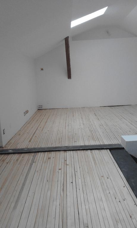 agencement bois montpellier. Black Bedroom Furniture Sets. Home Design Ideas